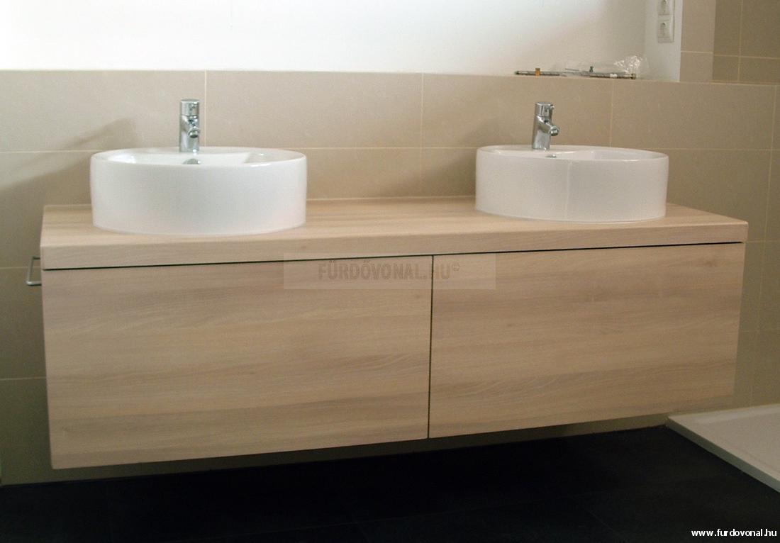 Pultra ültett mosdó