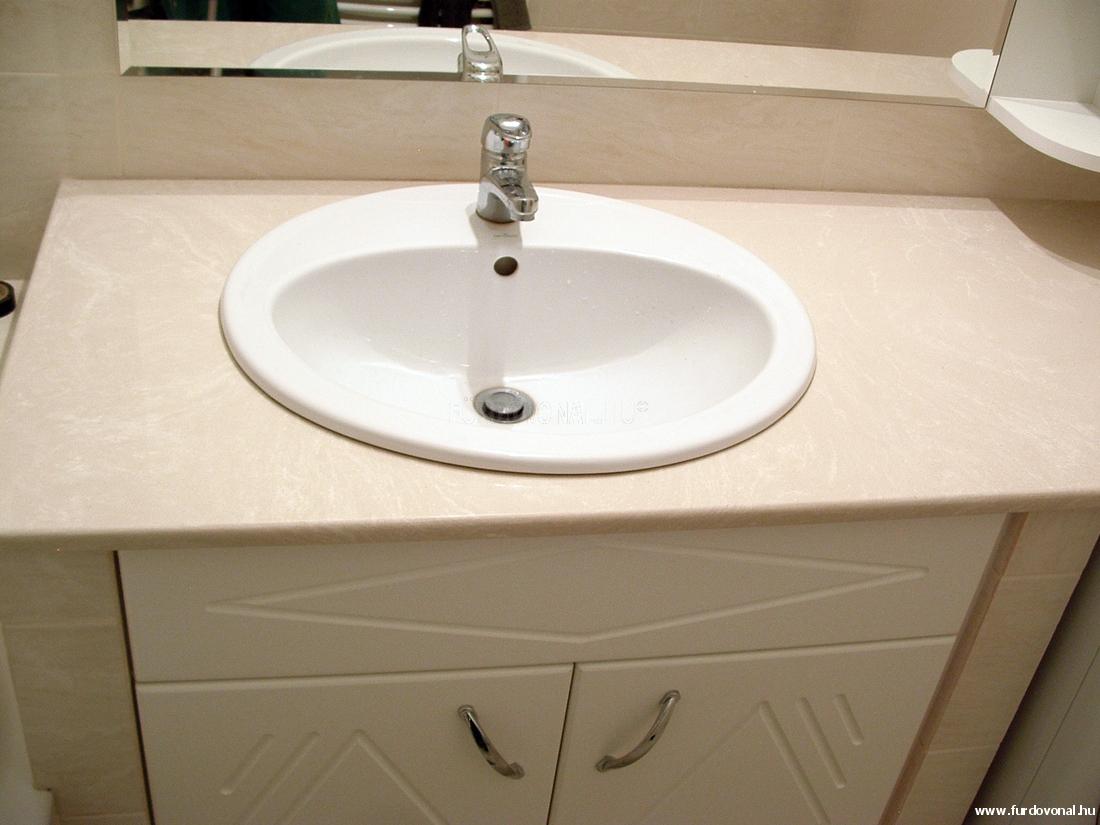 Pultba épített mosdókagyló