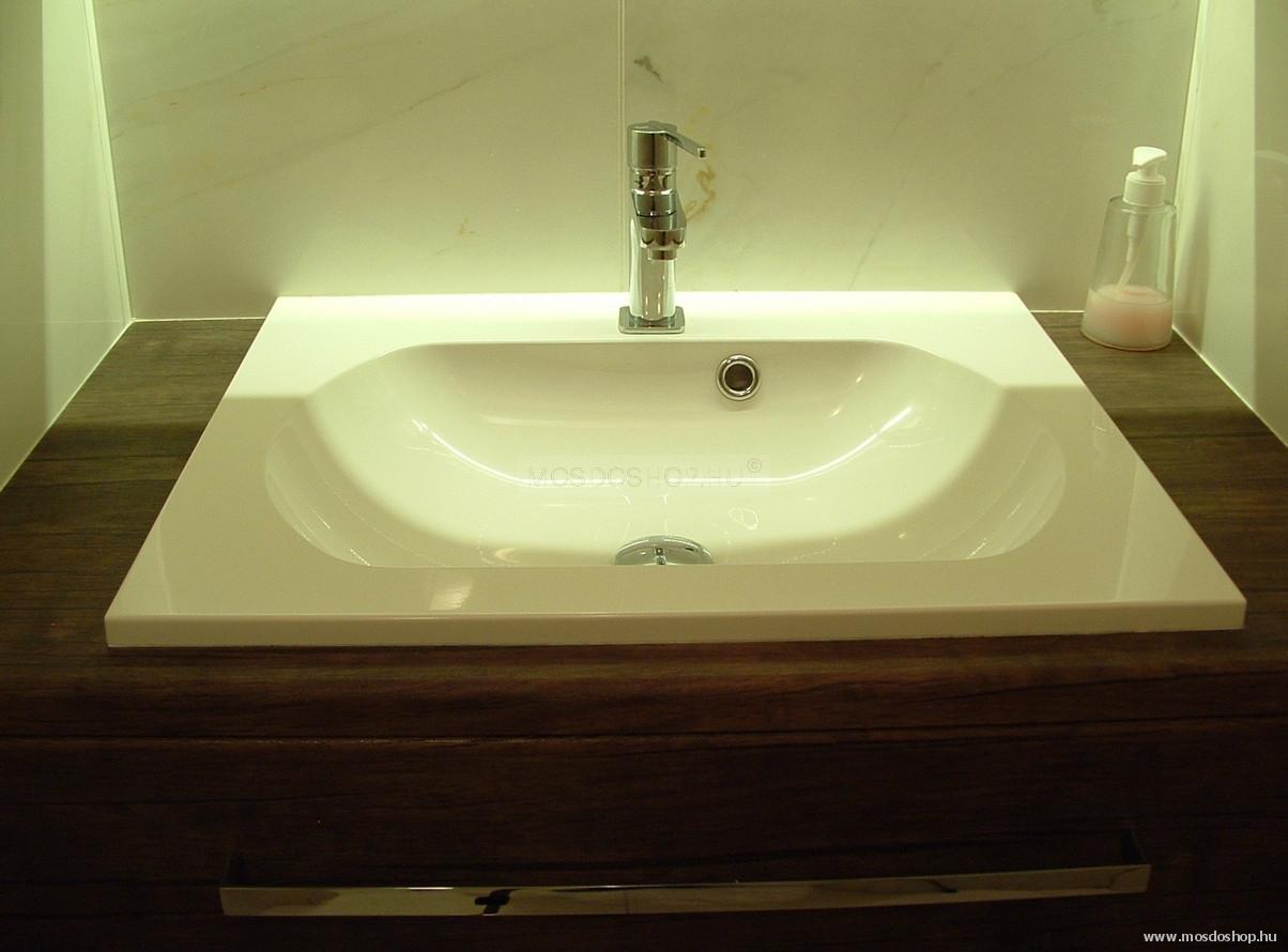 Öntöttmárvány mosdókagyló csappal